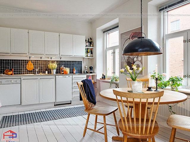 Mẫu bàn ăn cho nhà bếp nhỏ với kiểu bàn tròn tiết kiệm diện tích và gia đình vẫn có thể thưởng thức bữa ăn bổ dương cùng các thành viên trong gia đình một cách trọn vẹn nhất