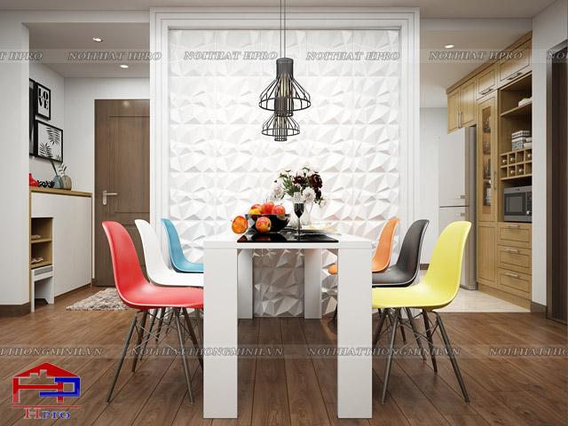 Những chiếc ghế decor với màu sắc bắt mắt tạo nên điểm nhấn ấn tượng cho mẫu bàn ăn phòng bếp đẹp và mang lại cảm hứng cho các thành viên gia đình trong mỗi bữa ăn
