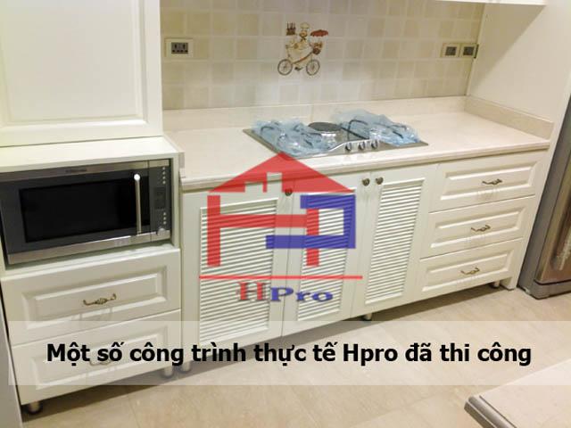 khong-gian-bep-tan-co-dien-12